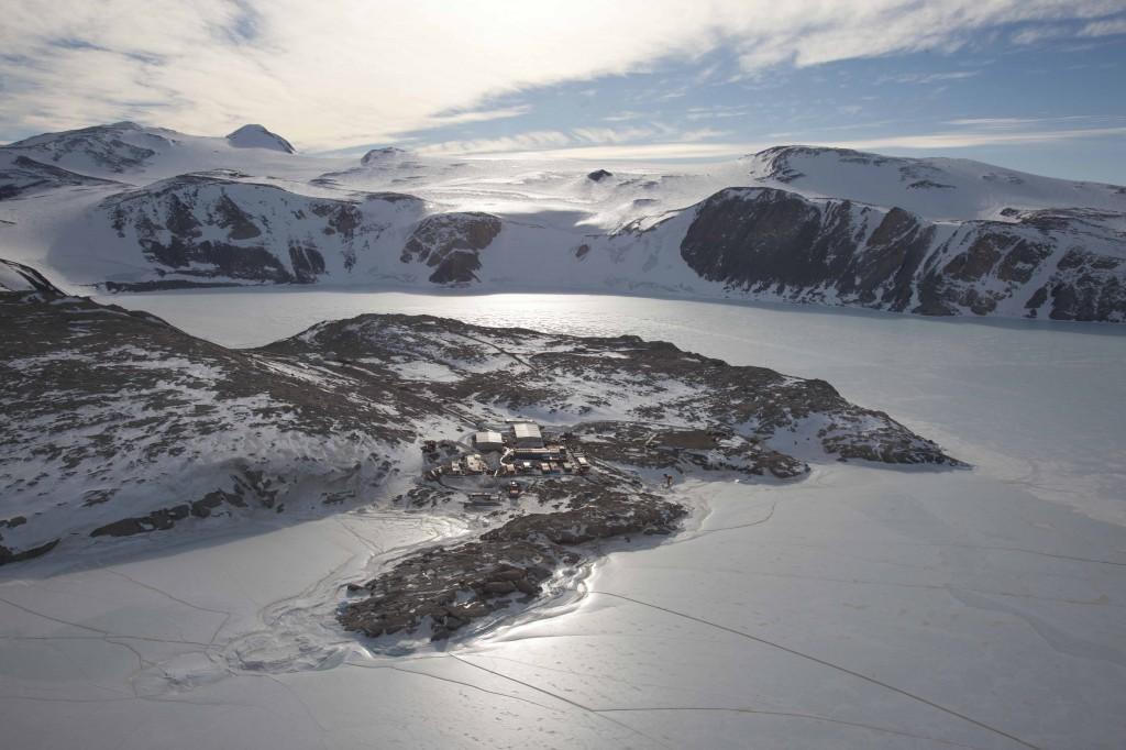 Immagine aerea della Base Italiana in Antartide Mario Zucchelli (Foto di Paul Nicklen)