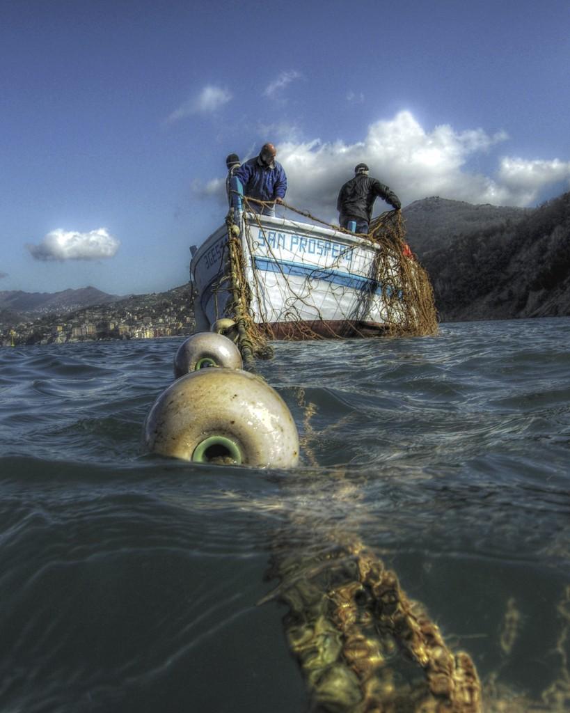 """La """"poltrona"""" la barca più grande dedicata a San Prospero tra quelle utilizzate dai pescatori della tonnara di Camogli (Foto M. Faimali)"""
