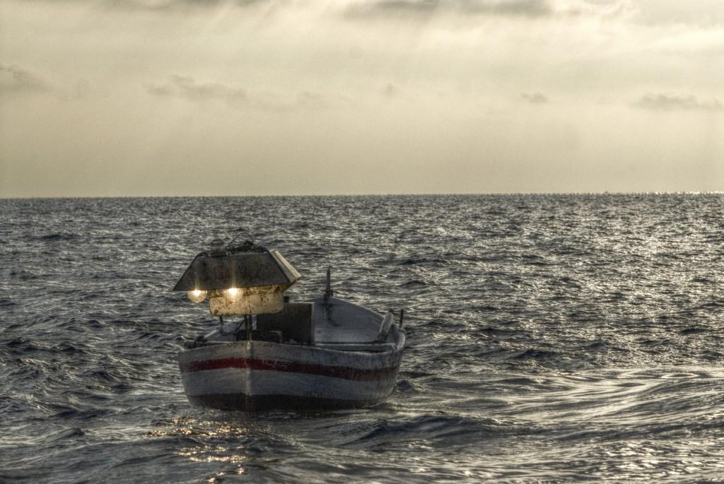 La pesca con la lampara un tipico esempio di piccola pesca costiera (Foto M. Faimali)