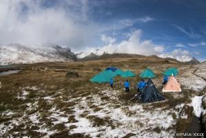 Il campo base presso il lago del Verney.