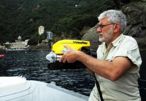 Il minirov utilizzato per le riprese subacquee durante le fasi di pulizia (Foto Osvaldo Ciotti)